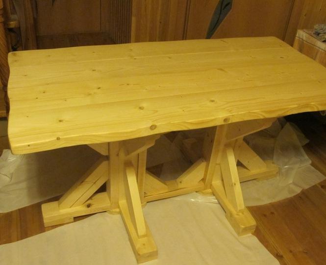 Деревянную мебель для дачи